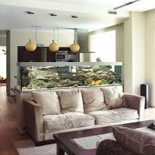 aquarium intégré salon idées large aquarium dans le salon