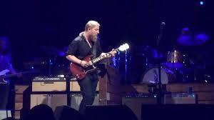 Derek Trucks - Perform An Amazing Guitar Solo