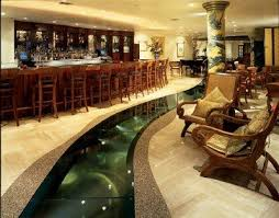 Restaurants With Glass Floor Aquarium Fish