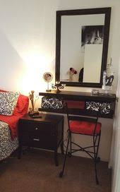 Small Bedroom Vanity by Small Bedroom Spaces Vanity And Makeup Storage Ideas My Crafts