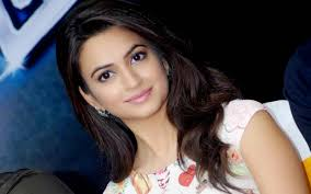 Kriti Kharbanda Pretty Indian Actress Wallpaper DreamLoveWallpapers