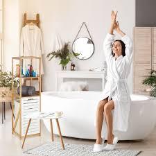 badregal mit wäschekorb badezimmer regal bambus standregal schmal 3 fächer hxbxt 130 x 37 x 33 cm natur