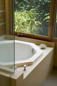 Kohler Bathtubs For Seniors by Japanese Style Soaking Tubs Catch On In U S Bathroom Decor