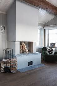 moderner offener kamin im wohnzimmer bild kaufen