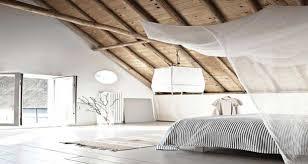 idees deco chambre 12 chambres sous combles qui donnent des idées déco