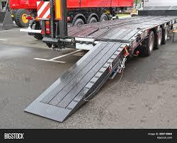 100 Truck Bed Ramp Heavy Equipment Image Photo Free Trial Bigstock