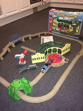 Trackmaster Tidmouth Sheds Ebay by Tomy Trackmaster Thomas At Tidmouth Sheds Set More Trains Ebay