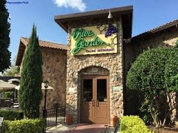 Join the Happy Hour at Olive Garden Italian Restaurant in Dallas