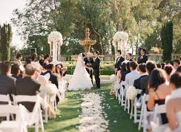 Garden Wedding Theme For A Natural And Intimate Vibe