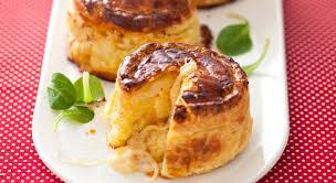 mont d or four ça change de la raclette mont d or au four au miel et fruits
