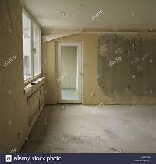 wohnzimmer leer unbewohnt wohnung zimmer entrümpelt