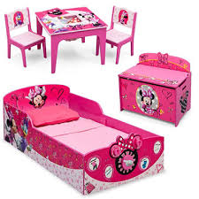 Delta Children Minnie Mouse Deluxe 3 Piece Toddler Bedroom Set