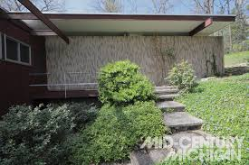 100 Richard Neutra House List Entry From Exterior 01