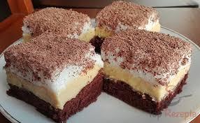 leckerer kuchen mit vanillecreme und baiser