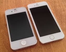 File White iPhone 4S with screen protector vs iPhone 5S