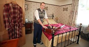 Pictured The Man Who Loves Living In 1940s Outside Loo And All Decorating A BedroomRetro