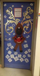 Polar Express Door Decorating Ideas by Classroom Door Ideas For Christmas Oh Deer Pinned By Laura Wade Via