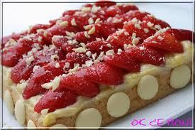 gâteau moelleux aux fraises au chocolat blanc et à la crème