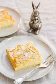 rezept blitzschneller blechkuchen mit buttermilch und mandeln