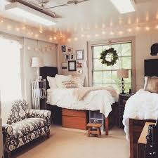 Dorm Room Decor Is Trending In A Big Way We Found Some Seriously Inspiring Spaces From The Patterned And Colorful To Minimal But Chic