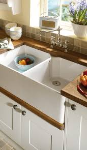 contemporary sink made of white fireclay with high gloss