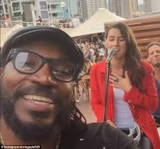 Chris Gayle Sings Along To A Performance Of Sam Smiths Stay With Me At Sydneys Opera