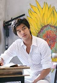 This Versatile And Handsome Actor Made His Debut In A TV Drama 2001 After First Lead Role 2005 He Began To Catch The Eye Of Many Casting