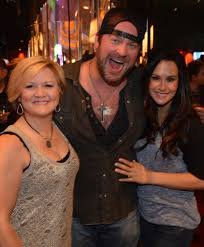 Sara Rebelet Photos Photos - Lee Brice