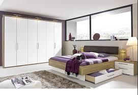 hardeck schlafzimmer bett mit einem breiten glasfenster