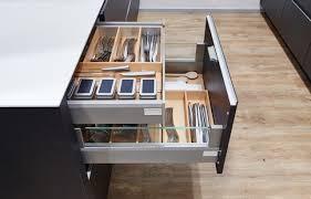 zweizeilige küche großzügige arbeitsflächen mehr stauraum