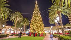 Timelapse Of People Moving Around Illuminated Christmas Tree At Night Fashion Island Newport Beach