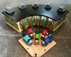 Tidmouth Sheds Wooden Roundhouse by 100 Trackmaster Tidmouth Sheds Turntable Thomas And Friends