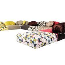 canapé composable tonalité chic pour un grand canapé côté maison