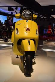 Vespa GTS Super 125 150 300 Cc Expresses Its Most Dynamic Side With The A Vehicle That Enriches Design Sporting Details