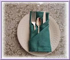pochette à couverts rectangulaire à plis obliques déco de table