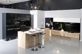 tv dans cuisine aviva fait aussi de l aménagement salon et des meubles tv tendances