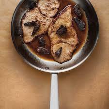 cuisiner les morilles escalopes de veau sauce à l érable et aux morilles ricardo