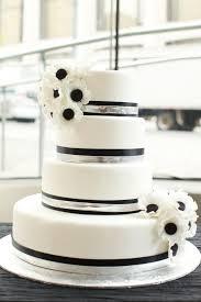 42 Gorgeous Black And White Wedding Cakes
