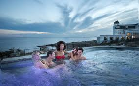 100 The Cliffhouse This Cliffside Hot Tub In Maine Is Perfect For A Lastminute Winter