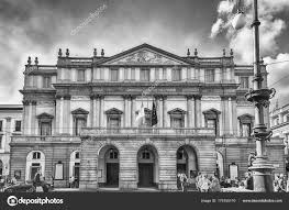 100 House In Milan Facade Of La Scala Opera House In Italy Stock