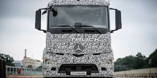 100 Mercedes Semi Truck Tesla And Nikola Gear The 3way Electric Battle