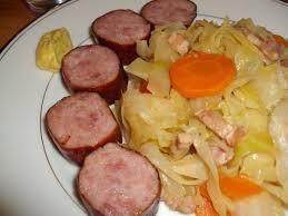 comment cuisiner le choux blanc chou blanc braisé aux lardons et saucisses fumées recettes pour