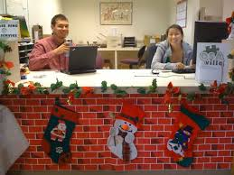 Office Door Christmas Decorating Ideas by Christmas Decoration Ideas For Office Desk Rainforest Islands Ferry