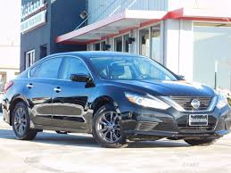 The Nissan Altima: Why We Like It And Why We Love It