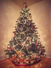 Christmas Tree Decorations Ideas 2014 by Our Beautifully Messy House Christmas Tree Decorating