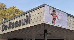 100 Fanhouse Martine Smeets Fanhouse Verhuist Naar Sporthal De Ransuil