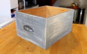 caisse a vin en bois fabriquer des tiroirs de rangement avec des caisses de vin