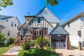 100 The Beach House Long Beach Ny 535 E Penn St NY New York 11561 East End