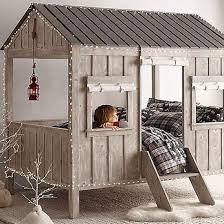 cabane dans chambre des idées et des inspirations pour réaliser un lit cabane dans la