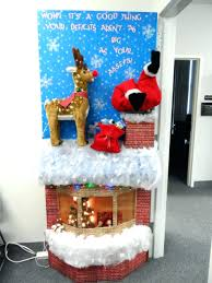 Office Christmas Decorating Ideas On A Budget by Office Christmas Decorations Pictures Swish Door Decorating Mes